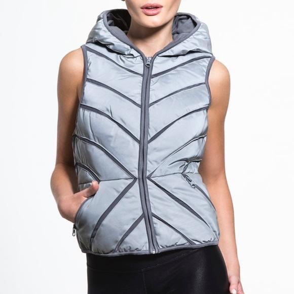 d3bef9988dcc Carbon38 Jackets & Coats | Blanc Noir Mesh Puffer Vest Reflective S ...